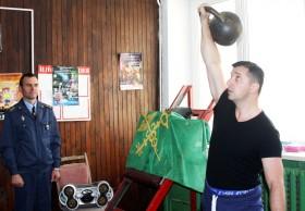 Соревнования по гиревому спорту среди сотрудников