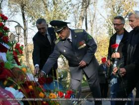 Начальник и сотрудники Витебской таможни приняли участие в торжественном открытии памятника десантникам